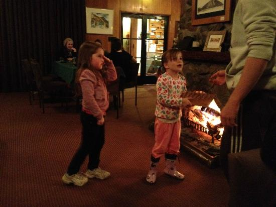 Lake Ohau Lodge: Making friends at Lake Ohau