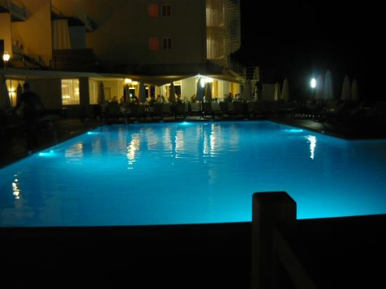 Palladium Hotel Don Carlos: Pool at night
