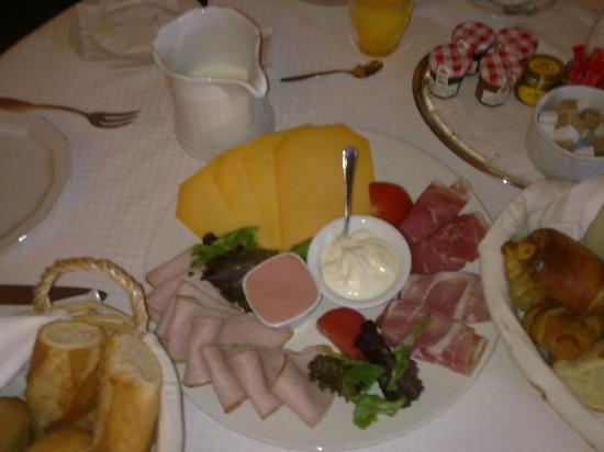 Firean Hotel : our breakfast.