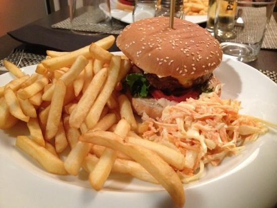 Couby's Café: burger