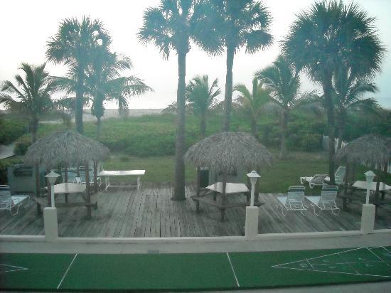 Prestige Hotel Vero Beach: courtyard