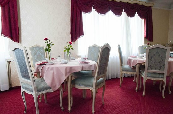 Pension Suzanne: Dining room