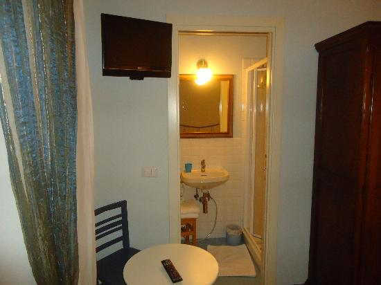 BluNotte: Vista baño desde la habitación