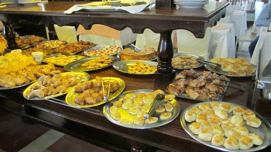 إلميرادور هوتل آند سبا: Desayuno