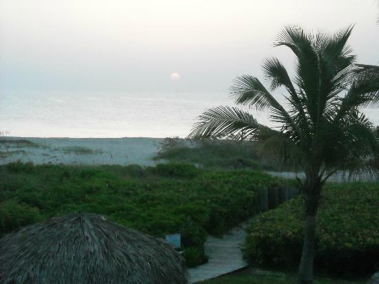 Prestige Hotel Vero Beach: View of beach from room