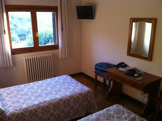 Hostal Quinto Real: Dormitorio