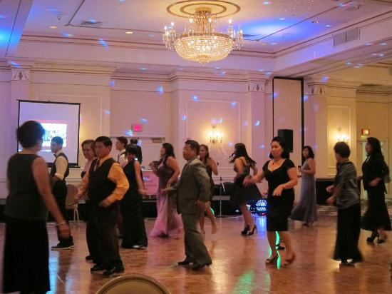 Hilton Pearl River: Dancing at ballroom