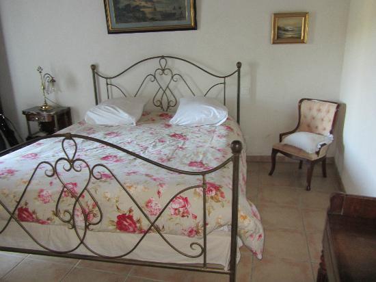 Les Terrasses de Cailla: Chambre donnant sur la terrasse