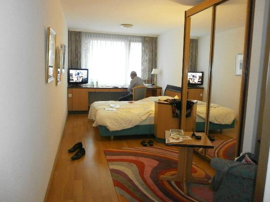 chambre art d co picture of abalon hotel ideal stuttgart tripadvisor. Black Bedroom Furniture Sets. Home Design Ideas