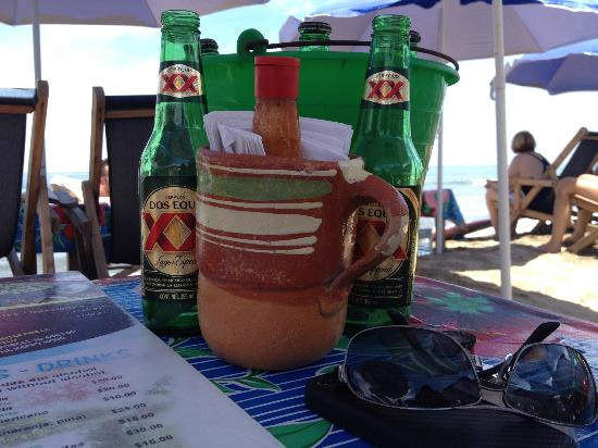 Playa Escondida: beer on the beach in Sayulita