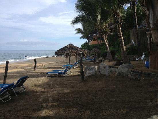 Playa Escondida: Hotel beach