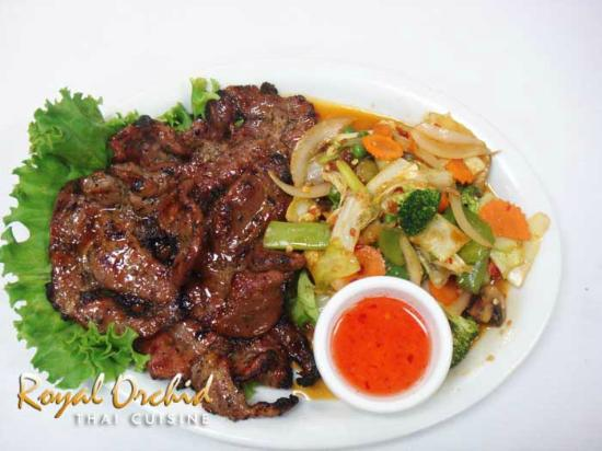 Royal Orchid Thai Cuisine: Grilled Pork with vegetable