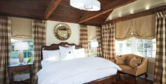 The Inn at Willow Grove: The Weavers Cottage! Cottages offer your own privat pourch.