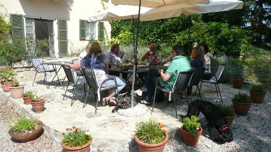 All'Ombra del Pero: Mit Freunden die Gastlichkeit geniessen