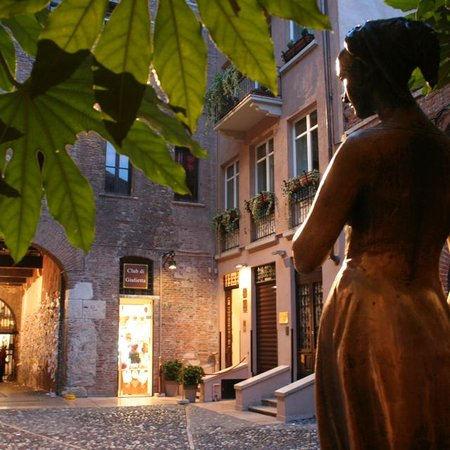 La Corte Di Giulietta Exclusive Suites