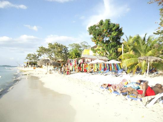 Beachcomber Club: a 7 kms la plage
