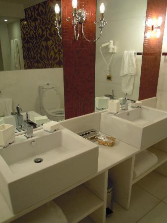 Hotel Palazzo Failla: I lavabi della Relax Room