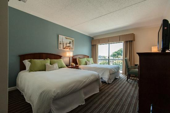 Cohasset Harbor Resort: Deluxe Harborside Double Queen Room