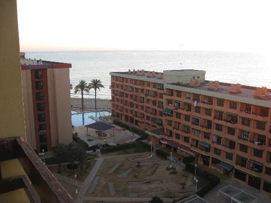 Vistas desde el balc n de la habitaci n hacia el mar for Aparthotel londres centre