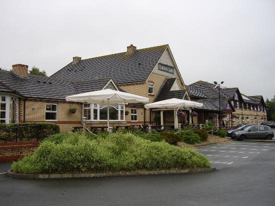 Premier Inn Barnstaple Hotel: Barum Gate Table Table