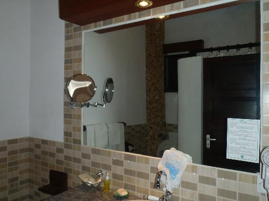 Temple Point Resort: bagno