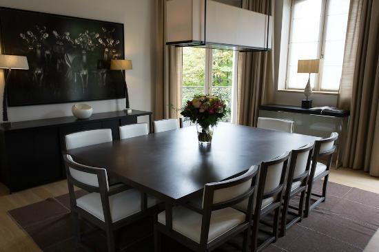 La Reserve Paris - Apartments: Dining room