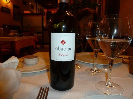 Restaurante La Aldaba: excellent mallorquin wine