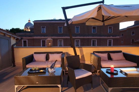 Vatican View: La nostra bellissima terrazza con vista sulla cupola di San Pietro