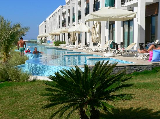 Jiva Beach Resort: Zimmer m. Poolbereich