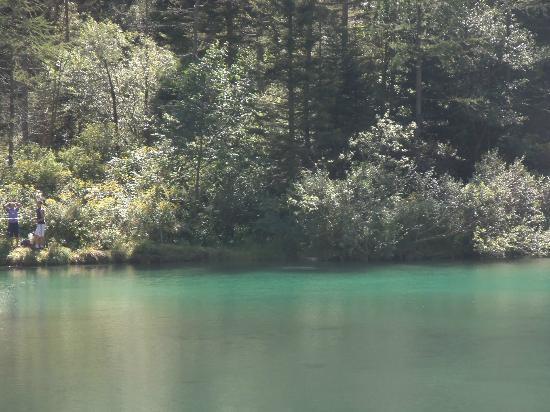 Lago delle Fate: un pescatore....