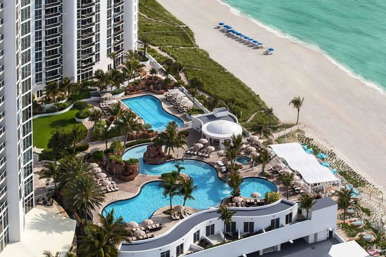 Trump International Beach Resort: Trump Miami Pool and Ocean Views