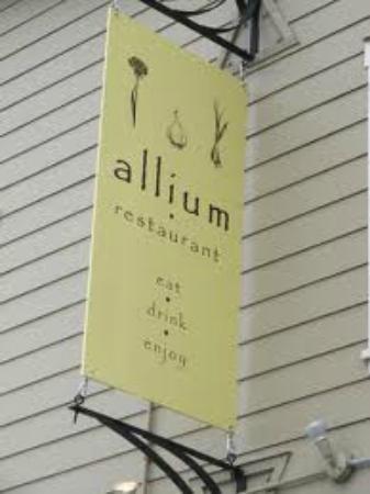 Allium Restaurant and Wine Bar: Allium sign
