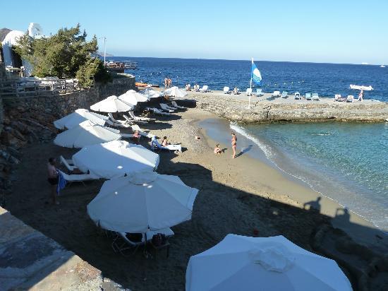 St. Nicolas Bay Resort Hotel & Villas: Kleiner, feiner Sandstrand