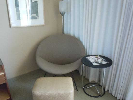 Loews Hollywood Hotel: Sitting Area