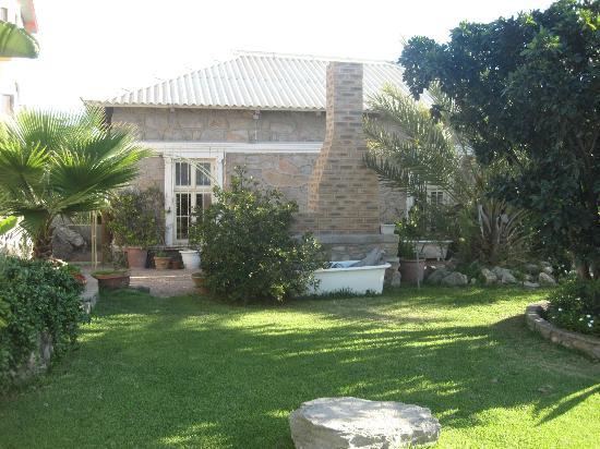 AquaGem Guesthouse: Garten