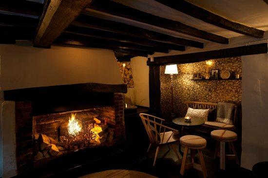 Chobham, UK: Bar area at Stovell's restaurant