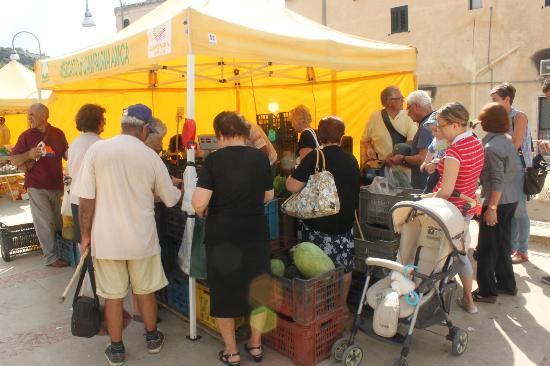 C'era Una Volta Scicli: Friday market