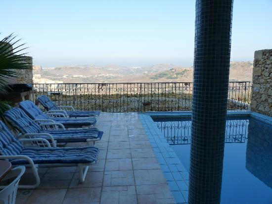 Bellavista Farmhouses Gozo: pool area