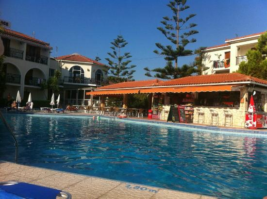 Katerina Palace Hotel: Pool view at the hotel