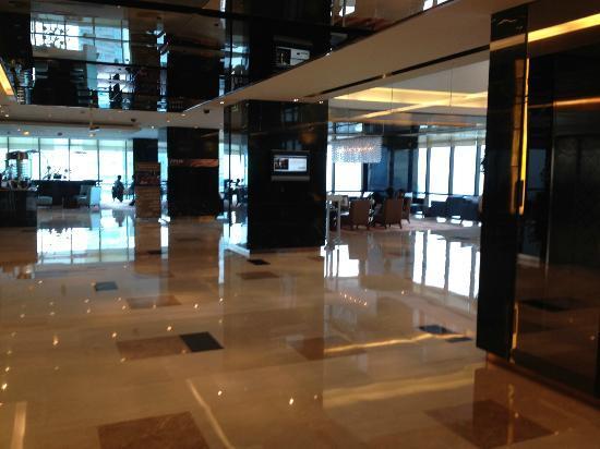 رينيسانس شانجهاي تسونجشان بارك: Hotel's lobby 
