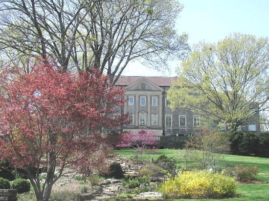 A wedding in the wills perennial garden picture of - Cheekwood botanical garden and museum of art ...