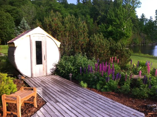 Grail Springs Retreat: Three Saunas Available: Dry, Steam & Infrared