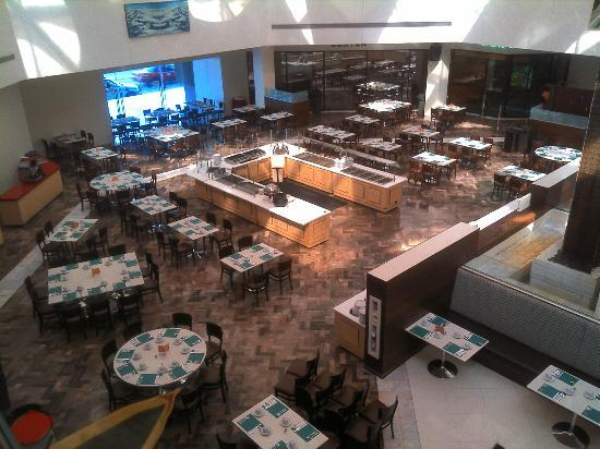 Grand Hotel Tijuana: The Breakfast Area of the Restaurant