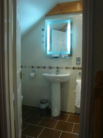 The Pier House Hotel: Ensuite bathroom