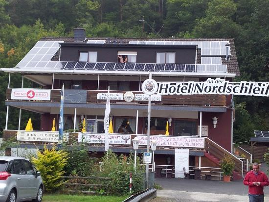 Adenau, Alemania: Front of the hotel