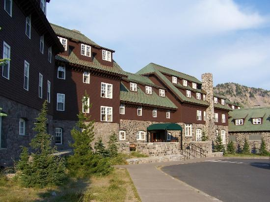 Crater Lake Lodge: The Lodge