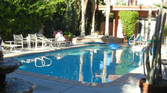 The Coyote Inn: pool area