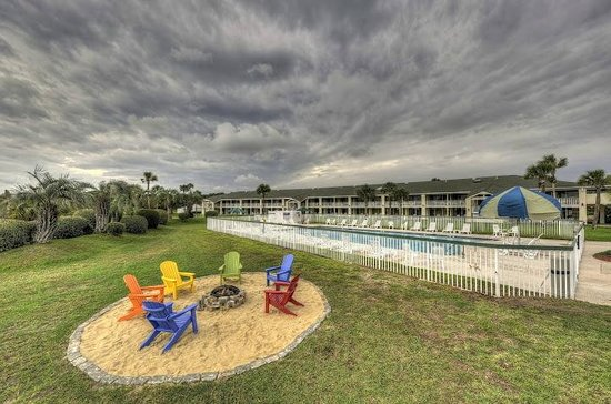 Days Inn & Suites Jekyll Island: Our New Fire Pit