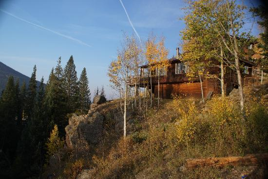 Shadowcliff Lodge: Overlook cabin with terrific views