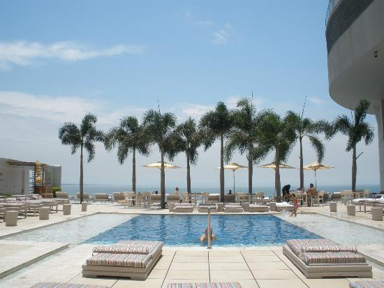 Trump International Hotel & Tower Panama: Piscine